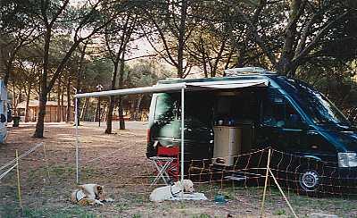 Lisabon, Campingplatz Der Schafstellzaun bewährt sich.