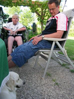 Er hatte sich soo sehr auf seinen Hund gefreut: Yannik Rother, siehr auch unter www.sternenkind-yannik.de